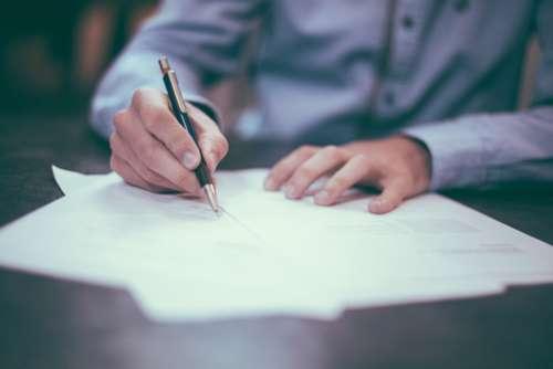Le contrat de franchise , attention aux clauses cachées !